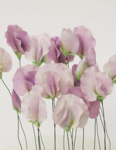 ærteblomster lavet i lilla fondant