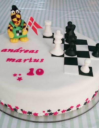 skakkage med skakbrikker og duffy