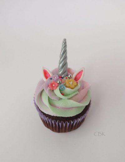 chokolade unicorncupcake med frosting