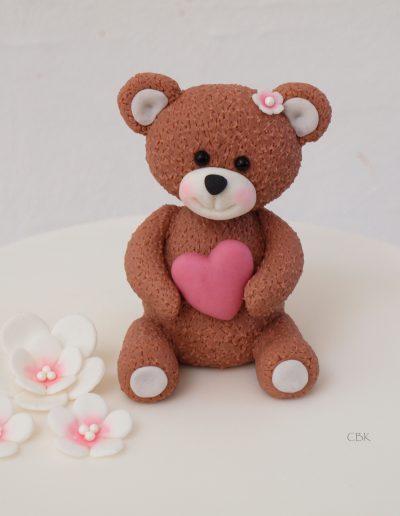 Bamse med hjerte fra dåbskage til pige