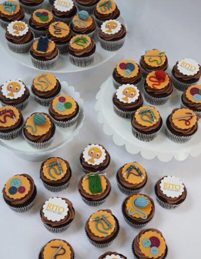 firma cupcakes med strik