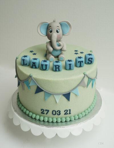 dåbskage med elefant